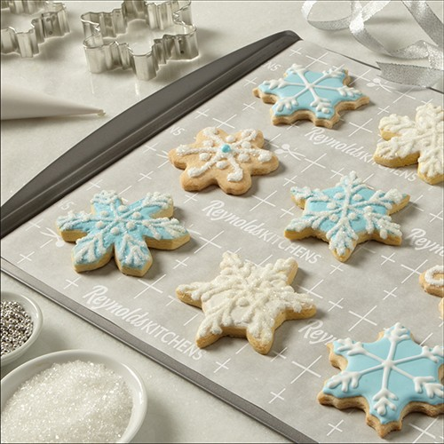 Snowflake Sugar Cookies With Decorating Icing